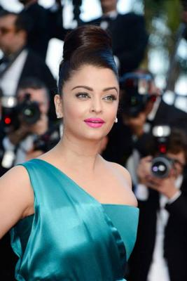 Aishwarya Rai At Premiere Of Cleopatra At Cannes Film Festival