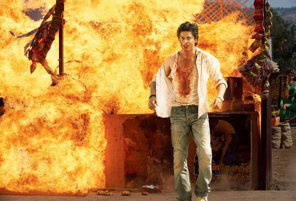 Shahrukh Khan Chennai Express Movie Action Stills