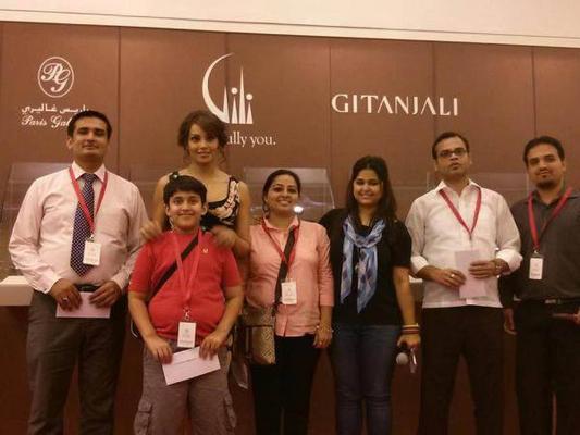 Bipasha Basu Sweet And Nice Pic During The Opening Of Gili And Gitanjali Jewellery Launch Event