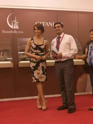 Dazzling Bipasha Basu During The Launch Of Gili Jewellery In Dubai