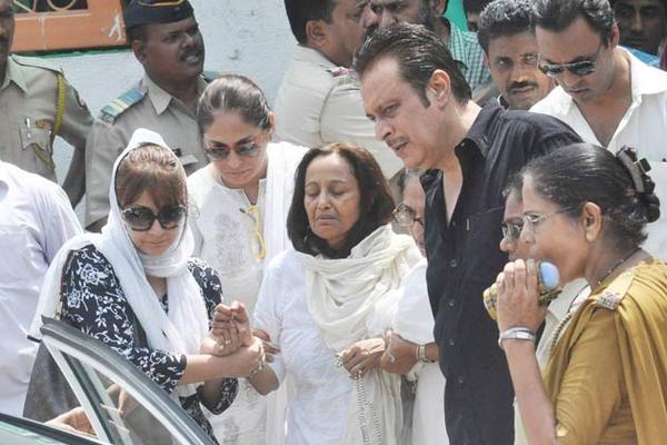 Bollywood Celebs At Jiah Khan's Funeral