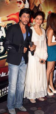 SRK And Deepika At The Trailer Launch Of Rohit Shetty's Chennai Express
