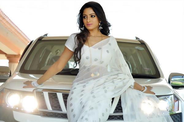 Udaya Bhanu In White Saree Sexy Look Still From Madhumati Movie
