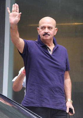 Rakesh Roshan Waves Hans To Fans After The Successful Brain Surgery Of His Son