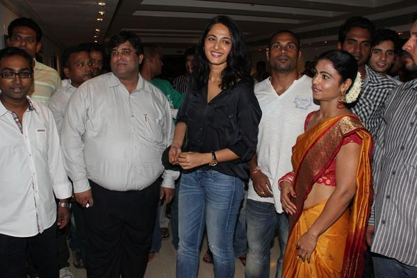 Actress Anushka At Kiran Dembla Photo Exhibition