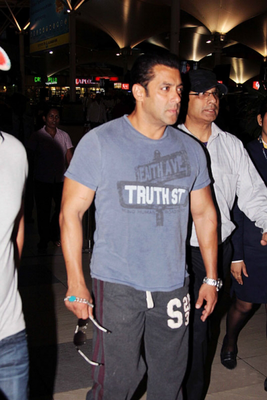 Salman Spotted At Mumbai Airport Returning From Hyderabad
