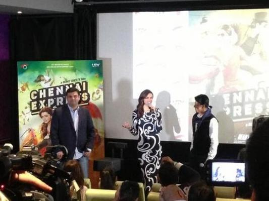 Shahrukh And Deepika Promote Chennai Express In London