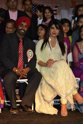 Desi Girl Priyanka Chopra Stylish Look At The India Day Parade 2013 In LA