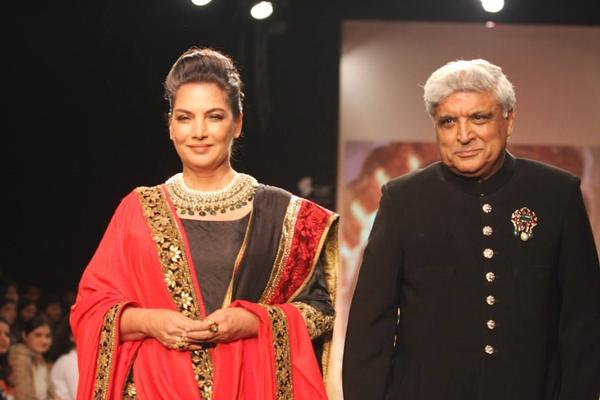 Javed Akhtar And Shabana Azmi Walk For Golecha S Jewels At IIJW