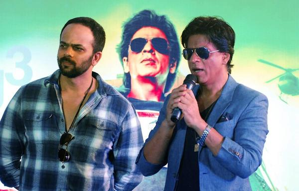 Rohit And SRK Address The Fans During The Promotion Of Chennai Express At K Lounge
