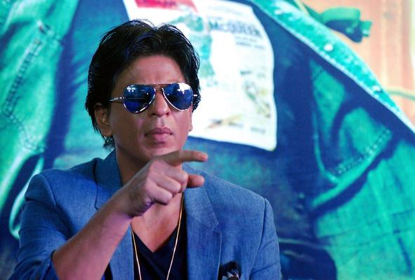 SRK Dazzling Look During The Promotion Of Chennai Express At K Lounge