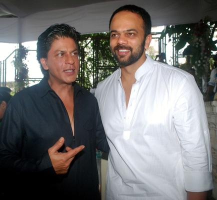 Shahrukh And Family Celebrate Eid At Mannat With The Media