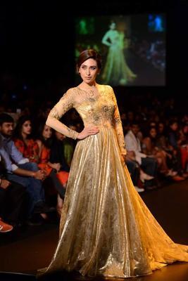 Karisma Kapoor walks for Vikram Phadnis at Lakme Fashion Week