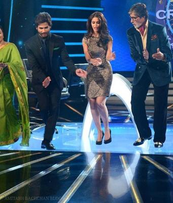 Shahid And Ileana On The Sets Of KBC