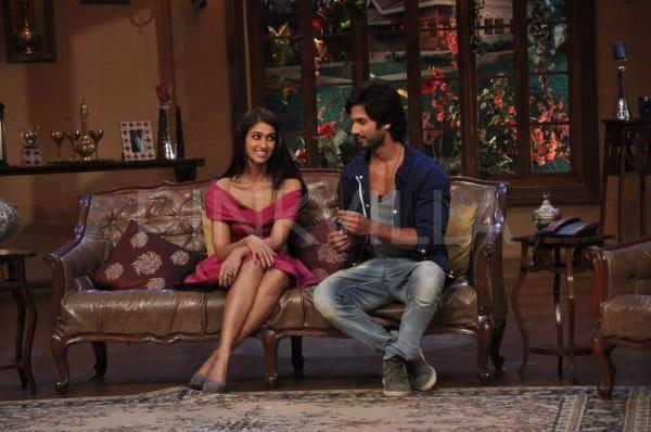 Shahid And Ileana On The Sets Of Comedy Nights With Kapil During The Promotion Of PPNH