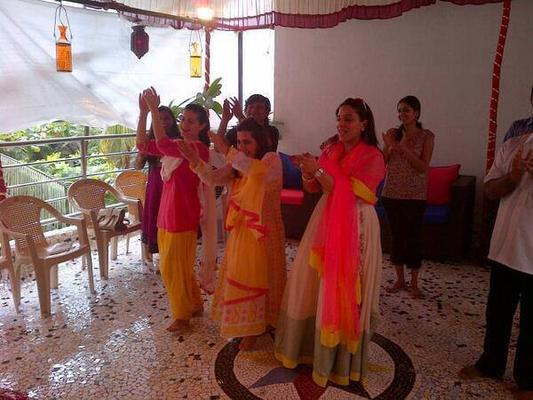 Ameesha Patel Celebrates Visarjan Of Lord Ganesh With Friends