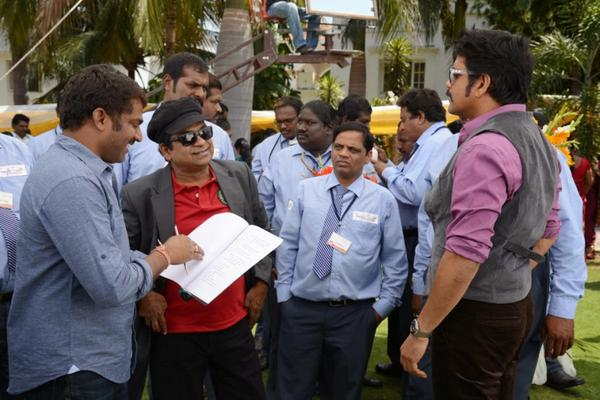 Brahmanandam And Nagarjuna On The Shooting Sets Of Bhai Movie