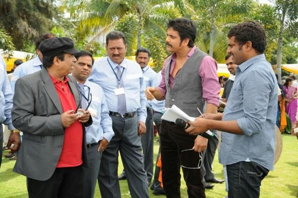 Brahmanandam And Nagarjuna Shoots On The Sets Of Bhai Movie
