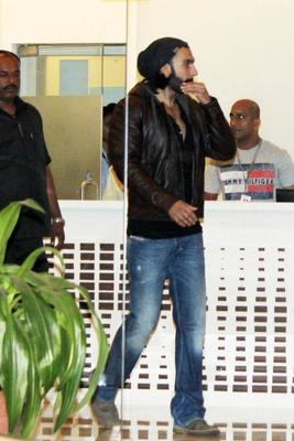 Ranveer Singh Discharged From Hinduja Hospital On 3rd Oct 2013