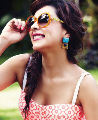 Amrita Puri So Sweet Stunning Pic For Hello India October 2013