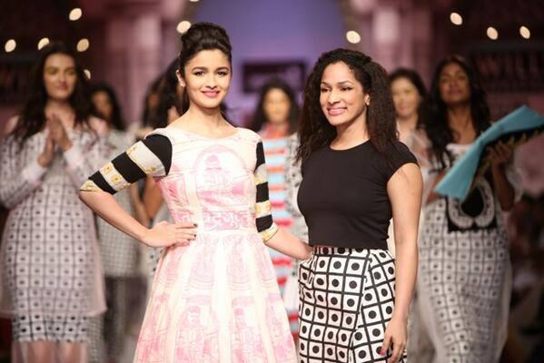 Alia Bhat Ramp Walk At Wills India Fashion Week 2013