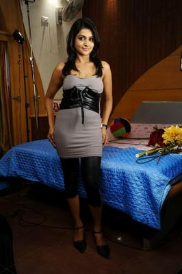 Ramya Nambeesan Slim Body Full Photo Shoot