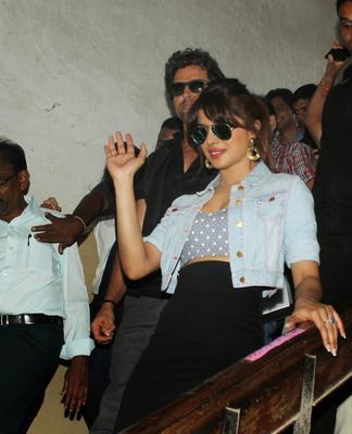 Hritik Roshan And Priyanka Snapped Promoting Krrish 3 Movie At Mithibai College