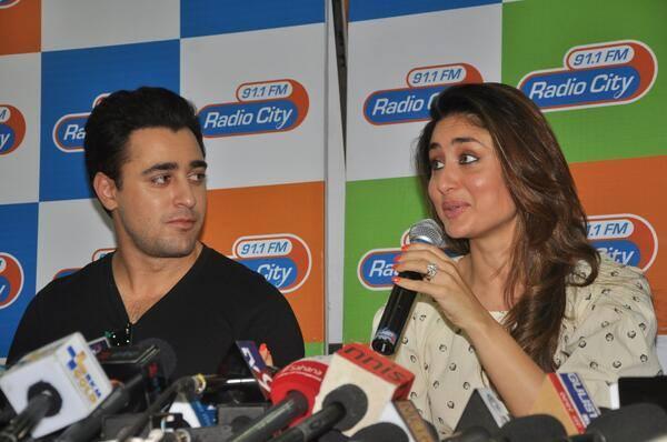 Kareena And Imran Press Meet Still At Radio City 91.1 FM