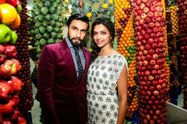 Deepika And Ranveer Promotes Ram-Leela At Juice World In Dubai