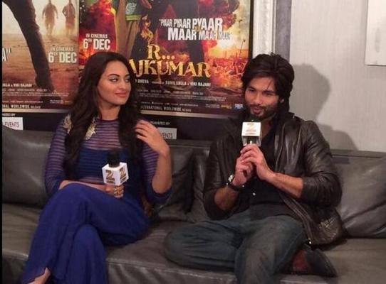 Sonakshi And Shahid Address The Media During The Promotion Of R....Rajkumar In Dubai