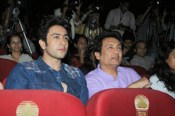 Shekhar Suman And Adhyayan Suman Enjoy The Programme At Mithibai College Fest