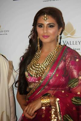 Huma Qureshi Glamour And Stunning Pic At AVIBFW 2013 Event