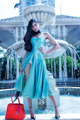 Sonam Kapoor Full Photo Shoot From Hi! Blitz December 2013 Issue