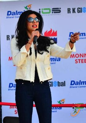 Sushmita Sen Launches Mary Kom's Autobiography Unbreakable