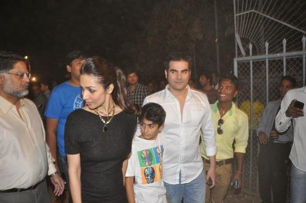 Kareena,Karisma,Malaika and Amrita At Christmas Midnight Mass