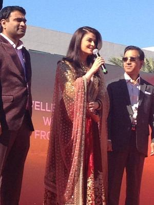 Aishwarya Rai And Manju Warrier At Dubai Kalyan Jewellers Event
