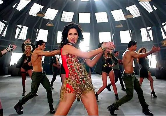 Katrina Kaif  Dhoom Machale Song Hot Dance Pic From Dhoom 3 Movie
