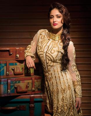 Yami Gautam In Red Lipy Sizzling Photo Shoot For Hi! Blitz Magazine January 2014 Issue