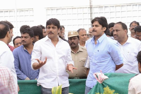 Nagarjuna And Pawan At Akkineni Nagesh Rao Death