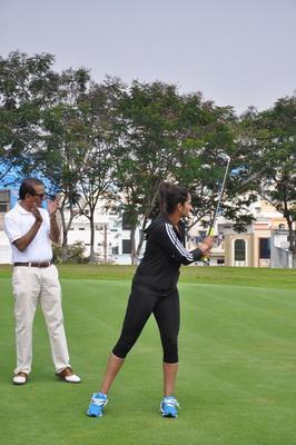 Sania Mirza Play Golf At The Inaugural Press Conference Of Cancer Crusaders Invitation Cup