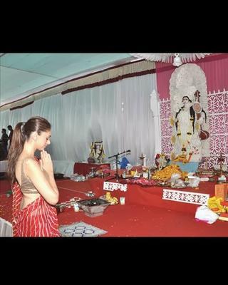 Aditi Rao Hydari Seeks Blessing From Saraswati For Her Upcoming Movie Jagga Jasoos