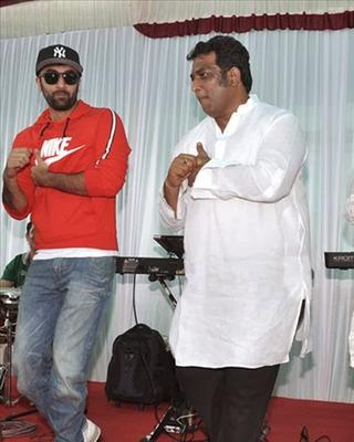 Ranbir And Anurag Are Together Weking Rowards Their Upcoming Film Jagga Jasoos