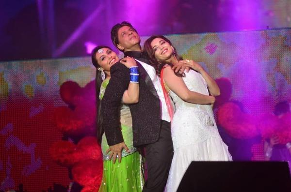 SRK Performed With Rani And Madhuri At Temptation Reloaded 2014 In Malaysia