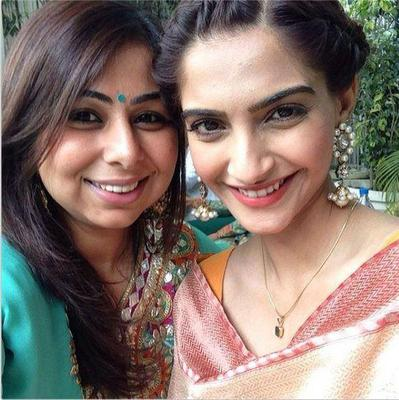 Sonam Kapoor Looks Stunning And Beautiful At A Wedding Party