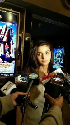 Mahesh Bhatt Tweeted These Pictures Of Daughter Alia For Performance In 'Highway'