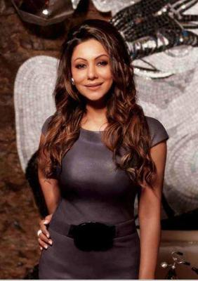 Gauri Khan Sweet Smile Pose Photo Shoot For Hello Magazine 2014 Issue