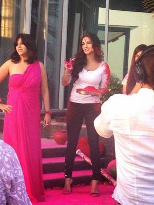 Ekta Kapoor And Sunny Leone Playing Holi With Ragini MMS Starcast During Holi Celebration Party