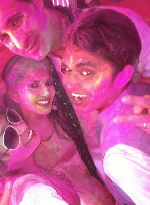 Sunny Leone Cool Look With Ragini MMS Starcast During Holi Celebration Party