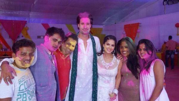 Sunny Leone Holi Celebrations With Ragini MMS Starcast