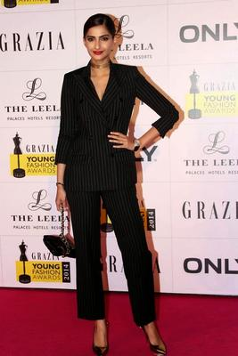 Sonam Kapoor At Grazia Young Fashion Awards 2014 Event